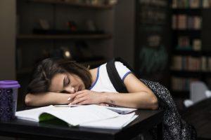 برنامه های نامنظم: یکی از دلایل اصلی بی خوابی